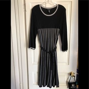 Spense knit dress size Large 42 inches long